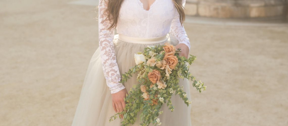 guide to choosing your wedding florist